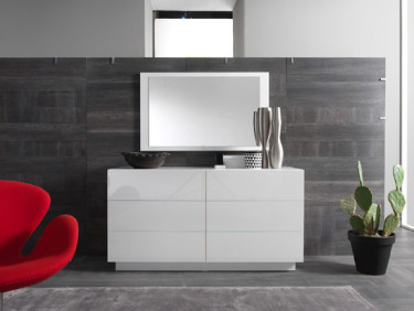 White Lacquer Dreser