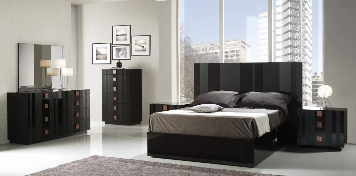 Black Italian Lacquer Bed